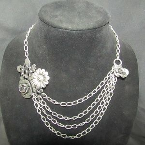 Jewelry - Pewter tone floral fashion necklace NWOT